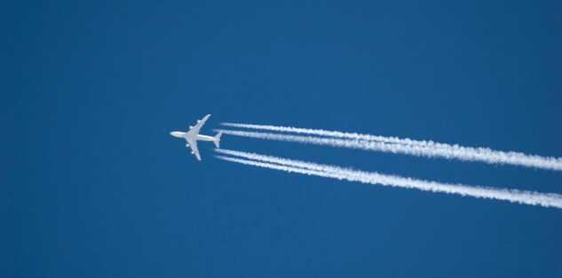 Airplane-Blue-Sky-Chemtrail-Vapor-Trail-Fly
