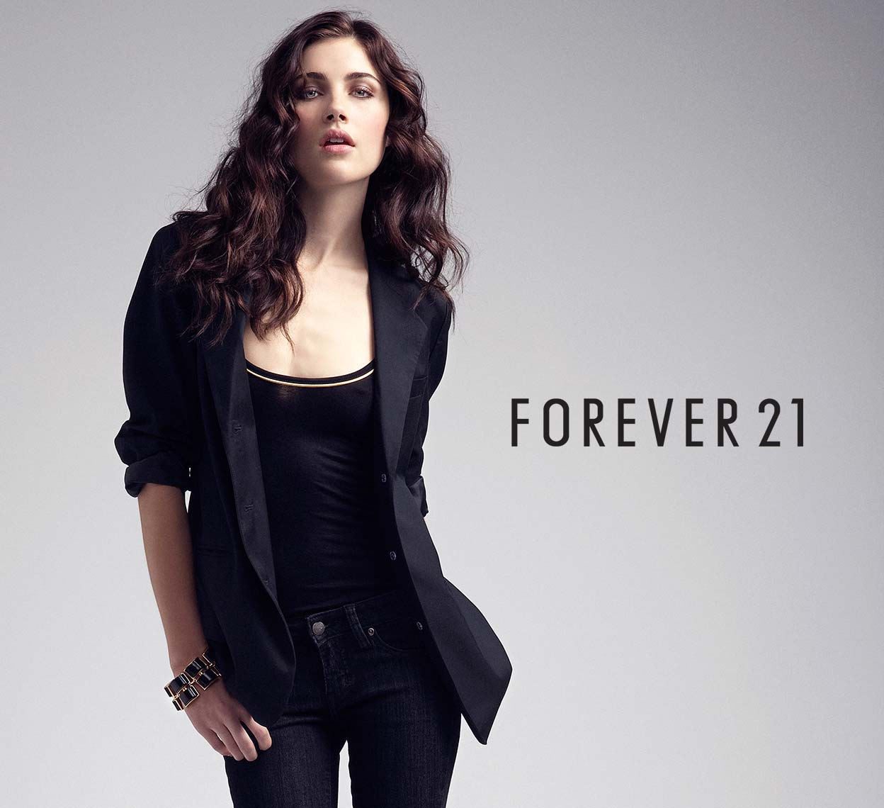 CHRIS-HUNT-FOREVER-21-we-love-author-of-this-piece